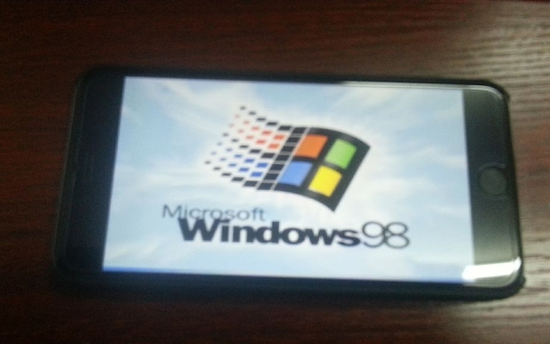 Instalan windows 98 en un iPhone 6